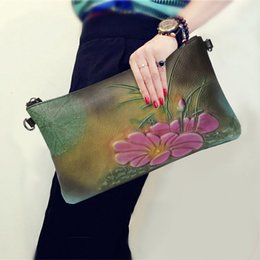 $enCountryForm.capitalKeyWord Australia - Chinese Style Women Clutch Bag Genuine Leather Lotus Pattern Soft Clutches Bags Female Party Shoulder Bag Fashion Envelope Pack