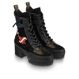 $enCountryForm.capitalKeyWord Australia - BLACK HEART PLATFORM DESERT BOOT Designer Boots Knee Booties Trainers Leather with Dust Bag Free Shipping V39