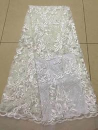 61fb51f6e9 Tejidos de encaje africano blanco puro 5 yardas tela de encaje neto francés  2019 tela africana del cordón de alta calidad para el vestido de boda con  ...