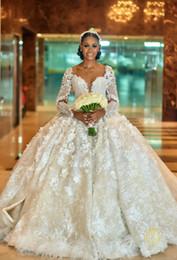 Großhandel Luxuriöse Sexy 2019 Arabisch Plus Size Brautkleider Backless Lange Ärmel Kristalle Brautkleider Atemberaubende Brautkleider