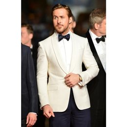 celebrity red tuxedo UK - Fashion Celebrity Suits Groomsmen One Button Groom Tuxedos Shawl Lapel Men Suits Best Man 2 pieces Wedding Suit ( Jacket+Pants)