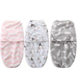 Wholesale baby swaddle blanket printed flannel Jersey swaddle sleeping zipper newbornsack sleep set warp soft for infants diaper cocoon 0-3m