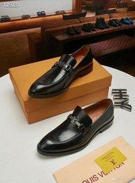 18ss nuovo arrivo italiano fatto a mano in vera pelle uomo marrone formale scarpe ufficio affari abito da sposa mocassini scarpe in Offerta