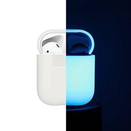 Toptan satış Apple AirPods için karanlık Silikon Durumda parlayan AirPods için Aydınlık darbeye Koruyucu Koruyucu Kol Kulaklık kutusu aksesuarları