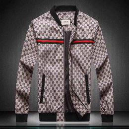 Wholesale plus printed hoodies online – oversize Fashion Designer Men s Jacket Windbreaker Long Sleeve Mens Jackets Hoodie Clothing Zipper With Letter Pattern Plus Size Clothes M XL