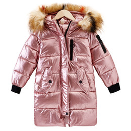 8f7f241e1 Niñas Chaquetas de capa de perlita 2019 Niños Ropa de invierno Abrigos para  niñas Cuello de piel abrigada Abrigos largos para niños Abrigos