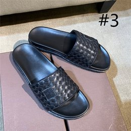 leather flip flops Canada - Designer Men summer knitted style Slippers with Genuine leather Men comfortable Beach slides summer Scuffs sandals leisure flip flops