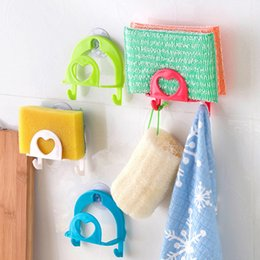 Wholesale 10Pcs Creative Kitchen Suction Wall Sponge Rack And Multi Function Modern Home Life Bathroom Kitchen No Trace Debris Storage Hook wh0298