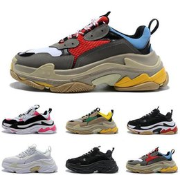 $enCountryForm.capitalKeyWord NZ - Size 36-45 100%Paris 17FW Triple S Sneaker Beige White Black Pink Casual Sports Dad Shoe For Men's Women Hihg Quality Designer leather shoes