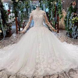 $enCountryForm.capitalKeyWord Australia - 2019 Latest Bohemian Wedding Dresses Long Tulle Sleeve Lace Up Back Bateau Neck Sequin Pearl 3D Hand Made Applique Pattern Bridal Gown Beach