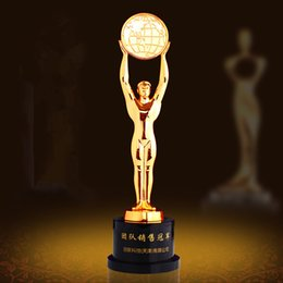 Metal Awards Australia - Customized Metal Trophy Sculpture Ball Games Awards Raising Earth Model Men Statue Home Decoration