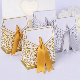 Silver Gift Wrapping Paper NZ - Creative Golden Silver Ribbon Wedding Favours Party Gift Candy Paper Box Cookie Candy gift bags Event Party Supplies c544