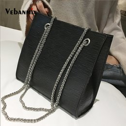 chained tote bags Canada - Fashion Leather Bags For Women 2018 Luxury Handbags Women Bags Designer Big Tote Hand Bag Chain Leather Handbag Bolsa Feminina