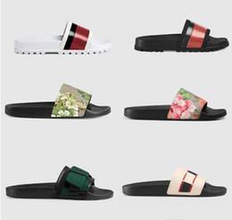 Vente en gros Top hommes femmes sandales chaussures de design pantoufles serpent imprimer luxe diapo mode d'été large sandales plates pantoufle 35-45