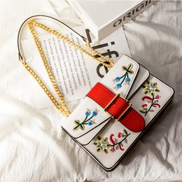 $enCountryForm.capitalKeyWord Australia - Sexy2019 Women Woman Pop Classic White Leather Flowers Embroidered With Chain Wrist Shoulder Handbag Tote Purse Shopper Bag