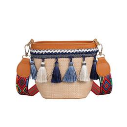 d0e0c4e9c Mulheres Verão Praia Sacola De Palha Das Mulheres Grande Bolsa Natrual  Mão-Tecido Pom Poms