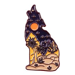 Wholesale Howling wolf brooch desert landscape pin moon star badge cute animal and nature lovers gift