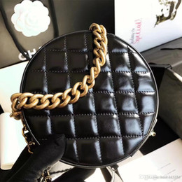 China NEW 2018 women circular Coin clutch Chevron Ladies Genuine Leather lambskin V grid Cross Body classic shoulder casual Makeup bag suppliers
