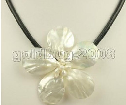 $enCountryForm.capitalKeyWord NZ - FREE SHIPPING + 70mm natural white mother of pearl shell flower pendant necklace