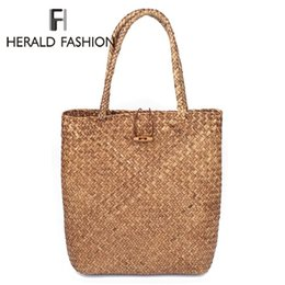 Big Designer Beach Bags Australia - Herald Fashion Beach Bag for Summer Big Straw Bags Handmade Woven Tote Women Travel Handbags Luxury Designer Shopping Hand Bags