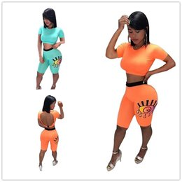 $enCountryForm.capitalKeyWord Australia - Women Summer Clothing Sexy Backless Tracksuit Eyes Printed Crop Tops + Shorts 2 Piece Designer Outfit Short Sleeve T-shirt Shorts Set A52203