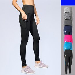 Commercio all'ingrosso Donne di marca Yoga Leggings sportivi tinta unita Fitness Correre collant vita alta tasche pantaloni allenamento compressione pantaloni on Sale