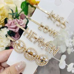 $enCountryForm.capitalKeyWord NZ - 1PC Korea Imitation Pearl Smile Face Hairpins Women Fashion Letter LOVE KISS Letter Gold Color Hair Clips Hair Accessories