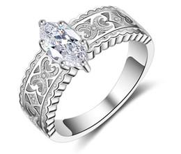 Großhandel Alter hohl barocker Stil Meister Diamant eingelegter Pferde-Auge Zirkon weiblichen Ring Simulation Diamant Ring Vorschlag