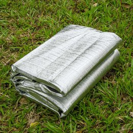 Venta al por mayor de 200 × 200 cm Aislamiento térmico Primeros auxilios Manta Mylar Supervivencia al aire libre Almohadillas tibias Resistente al agua Rescate de emergencia Tienda de campaña Estera que acampa