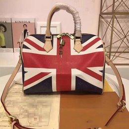 2019 Original designer luxury casual brand AAAAA handbag fashion flip messenger  bag fashion leather zipper Boston bag latest old flower 378007df6368f
