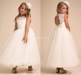 $enCountryForm.capitalKeyWord Australia - Lovely Lace Flower Girls Dresses For Wedding Sleeveless Girls Ball Gowns Birthday Party Dresses Holy White First Communion Dresses With Bow