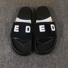 4cbd084ce Fashion luxury brand slippers for wmen men designer slides beach hotel  indoor shower room Non-slip summer sandals Scuffs
