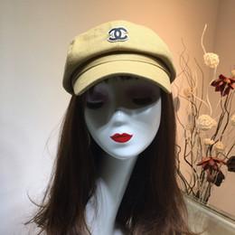 $enCountryForm.capitalKeyWord Australia - Luxury Designer Newsboy Caps for Women Cabbie Painter Beret Hats Black for Winter Fall Lining Hat