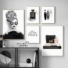 Canvas Prints For Living Room Australia - Glasses Fashion Girl Handbag Brand Wall Art Canvas Painting Nordic Posters And Prints Decoration Pictures For Living Room Salon