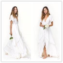 7a53f65ab Ranuras Faldas Playa romántica Vestidos de boda bohemios Manga corta Barato  Cuello en V En capas Tren Seda Satén Gasa Vestidos de novia