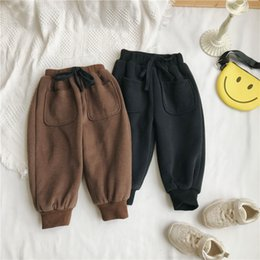 thick boys pant Australia - Wlg Boys Girls Winter Pants Velvet Children's Baby Breeches Occasional Thick Pockets Throughout The Match Children Clothes 1 -7 Year