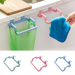 $enCountryForm.capitalKeyWord Australia - 4Colors Eco-feiendly Kitchen Door Back Hanging Style Cabinet Stand Trash Garbage Bags Support