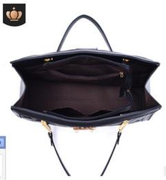 $enCountryForm.capitalKeyWord Australia - Tassel handbag 2019 new simple fashion trend handbags casual diagonal small square bag bags factory wholesale#006