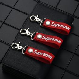 Encantos de Telefone Celular Encantos Acessórios de Telefone Celular de Couro Chaveiro Vermelho Universal Marca de Moda Pingente de Chave Vermelha