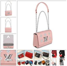2019 marca de moda de lujo bolsos de diseño Bolso bandolera Twist Louis Epi Bolsos de cuero Cruzada TWIST MM M52131 Rose Ballerine EE. UU. en venta