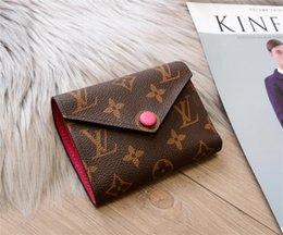 Venta al por mayor de VENTA CALIENTE 2019 Nueva alta calidad bolsas de hombro moda mujeres bolso pequeño paquete cuadrado bolso Cross body hombro Messenger bags envío gratis A02