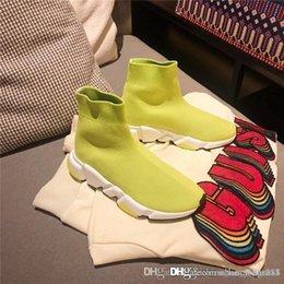 $enCountryForm.capitalKeyWord Australia - New designer men and women speed trainer comfortable socks shoes black white red yellow bag khaki flat fashion men casual shoes