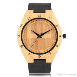 $enCountryForm.capitalKeyWord UK - High Quality Creative Shield Design Black Brown Quartz Watches for Men Bamboo Case Genuin Leather Watch Strap Cool Watch Trendy Gift for Men