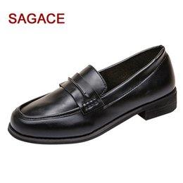 Venta al por mayor de Zapatos de vestir Hb @ 2019 Sagace Casual Mujeres Round Toe de cuero Slip-on Square Heel Drive Car Single Buty Damskie