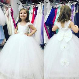 $enCountryForm.capitalKeyWord Australia - Lovely White Flower Girls Dresses For Wedding Back Bow Tulle Floor Length Girls Birthday Drsses First cummunion dresse