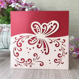 $enCountryForm.capitalKeyWord Australia - 25pcs   lot Hollow Laser Cut Pearl Paper Wedding Invitations Cards Envelope Design With Butterfly Sculpture Marriage Sweeties Card Supplies