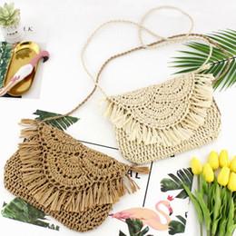 Hand Hooked Bag Australia - Women Hand-woven Shoulder Bag Tassel Straw Bags Paper Rope Hook Flower Flip Leisure Beach Pack