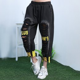 trend ripped jeans Canada - Femme Straight Ankle-lenght Pant 2020 Summer Black Jeans Woman Elastic Waist Push Up Ripped Denim Trousers Trend Ladies Jeans Z2