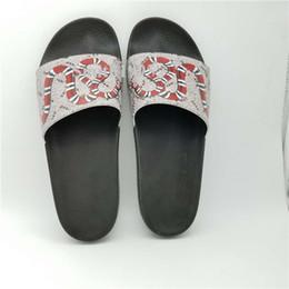 Tiger Slippers Australia - 2019 Quality Luxury Brand Designer Men Summer Sandals Beach Slide Fashion Slippers Indoor Shoes Tiger Flowers Snake