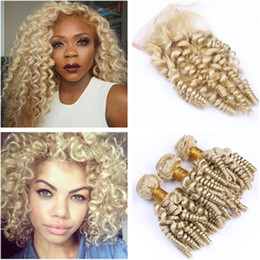$enCountryForm.capitalKeyWord Australia - Peruvian Human Hair Aunty Funmi Blonde Weaves with Top Closure 3Bundles #613 Blonde Romance Curls Virgin Hair Wefts with 4x4 Lace Closure